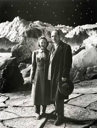 Heinlein con la consorte in visita al set