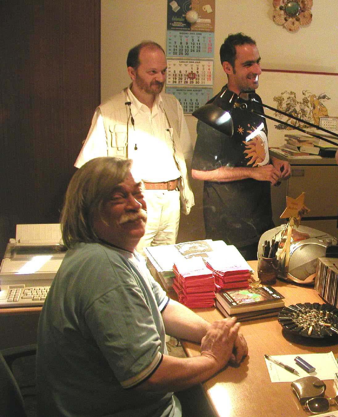 Ugo Malaguti e (sullo sfondo in bianco) Giorgio Sangiorgi