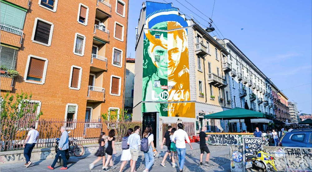 Loki murale a Milano per lo street artist Lucamaleonte